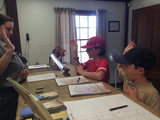 Fort Scott, KS: Getting sworn in as junior rangers