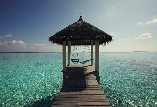Four Seasons Resort Maldives at Landaa Giraavaru: Resort Details