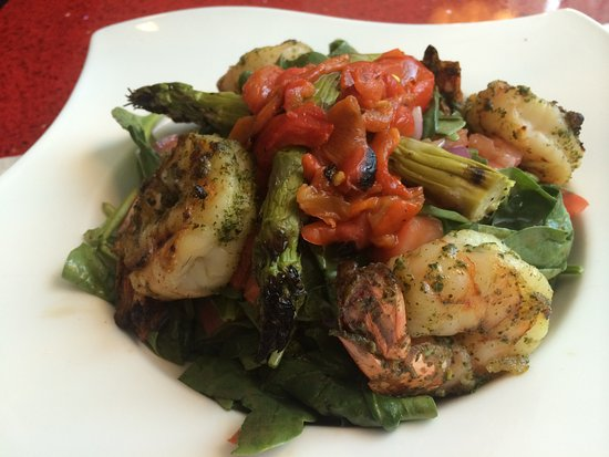Elgin, IL: Shrimp Veggie Salad