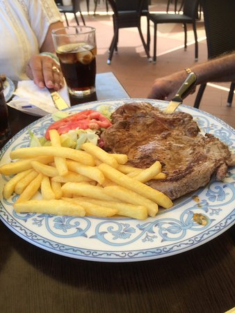 Provincia di Napoli, Italia: Now that's what I call a steak !!!