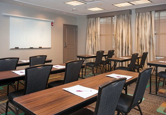 Hoover, AL: Meeting Room - Classroom-Style