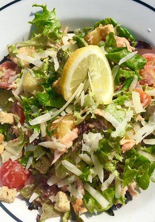 Balmaha, UK: Warm Potato and Smoked Salmon Salad