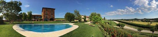 Montemagno, Italy: Fronte della tenuta