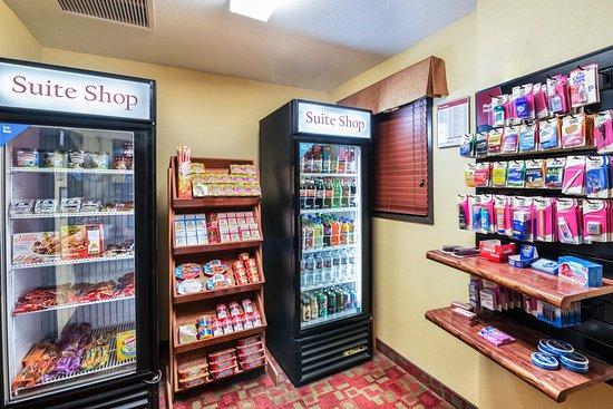 Comfort Suites Goodyear: Shop