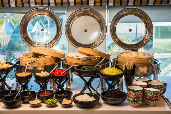 Crowne Plaza Tel Aviv City Center: Buffet- Asian breakfast