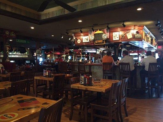 O'Fallon, MO: Bar