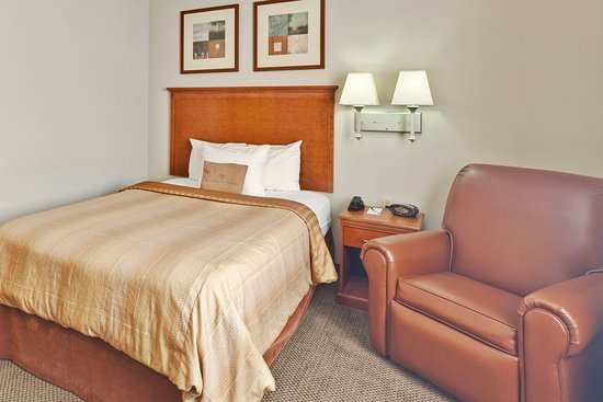 Candlewood Suites Memphis : Single Bed Guest Room