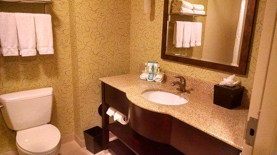 Mount Juliet, TN: Guest Bathroom