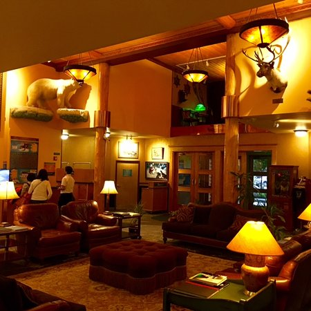 Pike's Waterfront Lodge: Pike's Landing Lobby