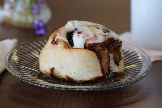 Fishers, IN: Hot Fresh Cinnamon Roll