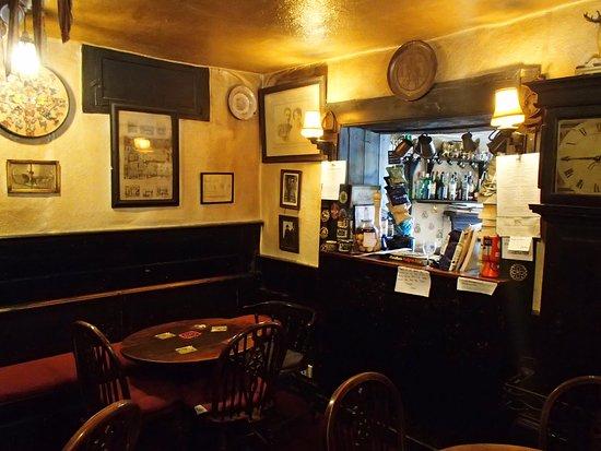 The Bridge Inn: Inside bar