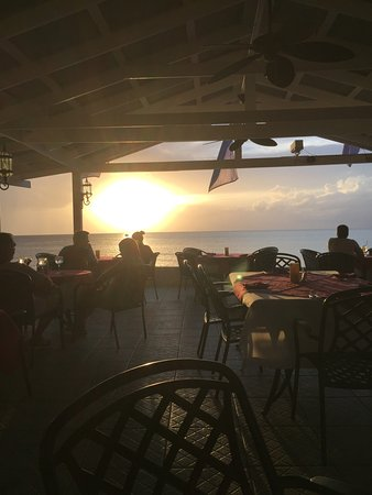 Beach Side Cafe: Sunset