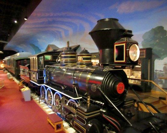 Kansas Museum of History: Atchison, Topeka and Santa Fe train