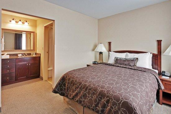 Clarence, NY: Bedroom Area