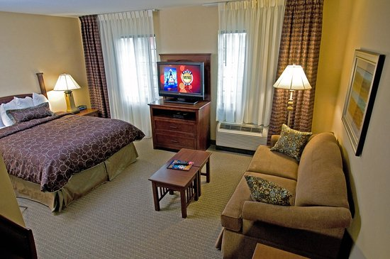 Clarence, NY: Studio Suite
