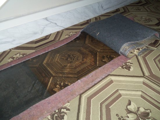 South Boston, VA: Original Foyer Carpet and New Reproduction Carpet