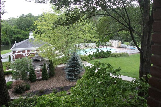 Excelsior Springs, MO: Pool and pool house