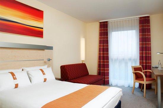 Schwabach, Alemania: Queen Bed Guest Room
