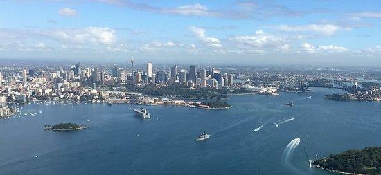 Mascot, Australia: Looking back at the city