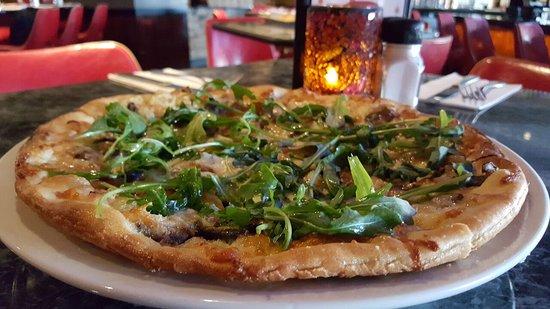 Dedham, MA: Pizza
