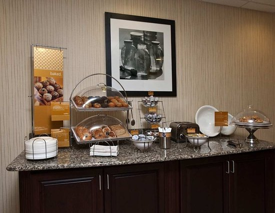 Hampton Inn & Suites Panama City Beach-Pier Park Area : Breakfast Breads