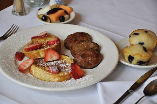 Swanton, MD: Strawberry French toast with sausage