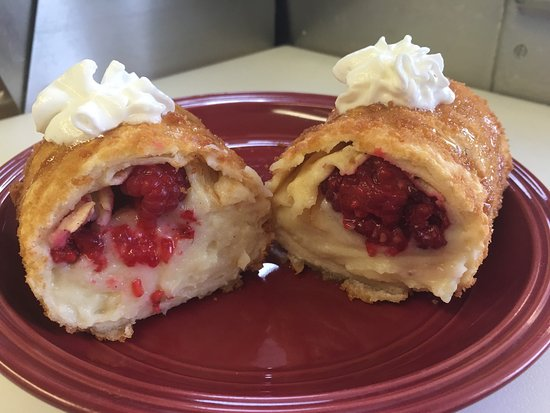 Healy, AK: Homemade white chocolate and fresh raspberries fried Crêpe $7 or buy 2 for $12