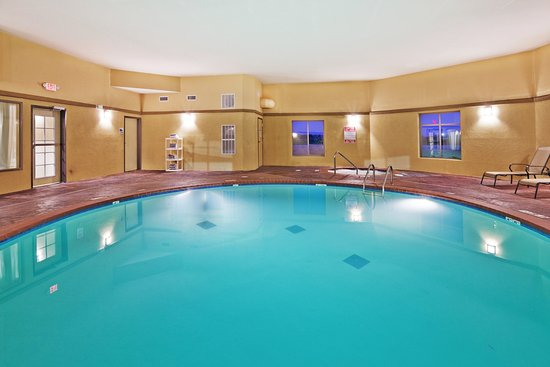 Holiday Inn Express Hotel & Suites Okmulgee : Swimming Pool
