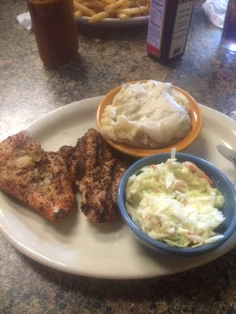 Concordia, KS: Chicken meal