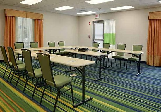 Fairfield Inn & Suites Buffalo Airport: Vista Room