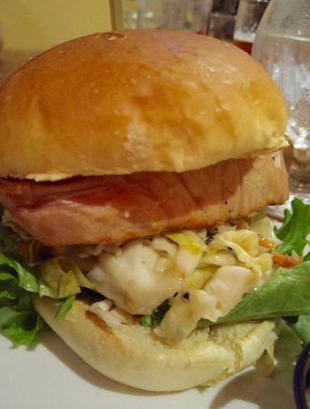 Brewery Ommegang: Good ahi tuna sandwich