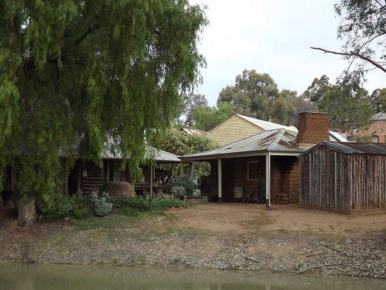 Swan Hill, Australia: The mud brick kitchen of The Homestead