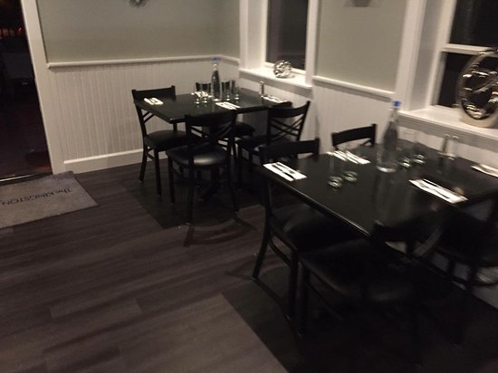 Kingston, Waszyngton: Updated dining room. Nicely done.