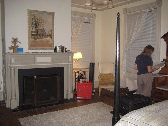 Montgomery, NY: Hanlon Suite