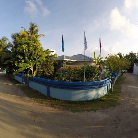 ‪Tgi Dhiffushi Diving Academy‬