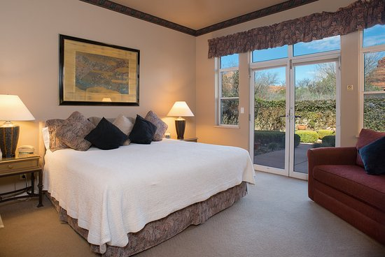 Canyon Villa Bed and Breakfast Inn of Sedona: Gold Poppy with Views