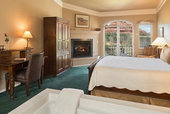 Canyon Villa Bed and Breakfast Inn of Sedona: Spanish Bayonet with Views