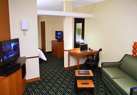 Kingsburg, كاليفورنيا: Suite Living Area