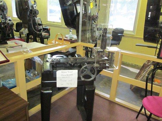Eden, NY: Make your own kazoo machine