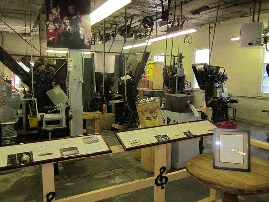 Kazoo Factory, Museum, & Gift Shop of Eden: Kazoo machines