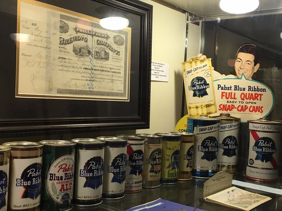Potosi, WI: Pasts cans and advertising.