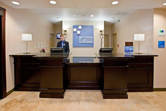 Shelbyville, IN: Front Desk