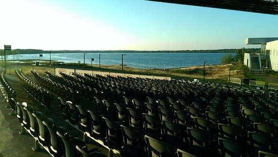 Liverpool, Estado de Nueva York: Stop at the amphitheater for a rest and take in the sights