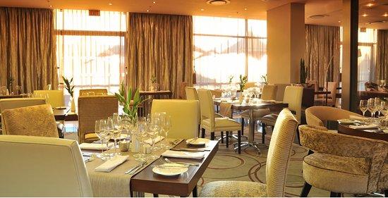Holiday Inn Johannesburg-Rosebank: Velvet Restaurant