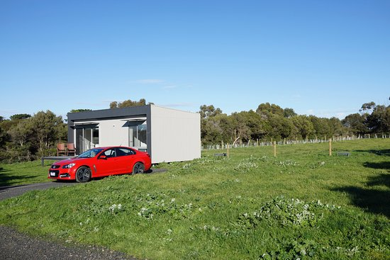 Phillip Island, Australia: One of the three modern cabins on the grounds