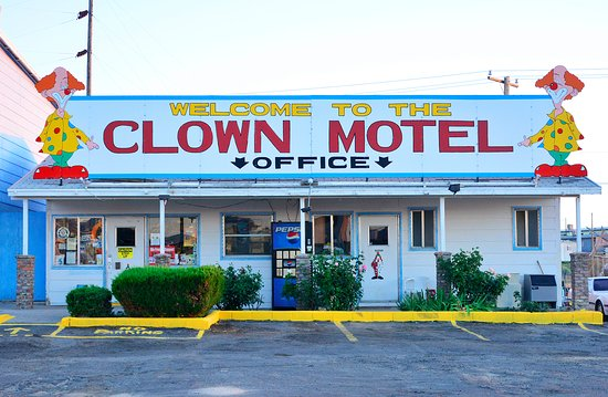 Tonopah, Невада: Clown Motel Office