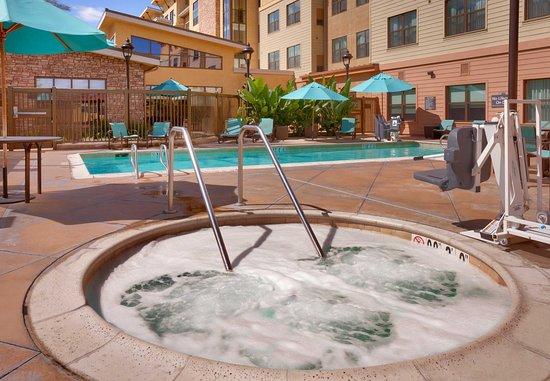 San Marcos, Californien: Outdoor Pool & Spa