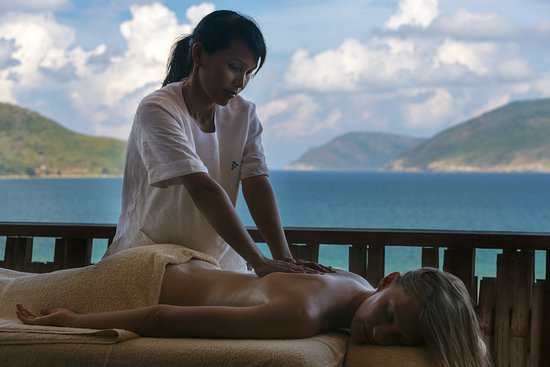 Con Son, Vietnam: Massage At Six Senses Spa