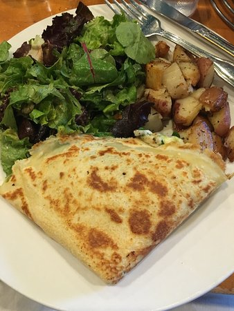 Crepes on Cole: Cole valley crepe w/ house potatoes & side salad