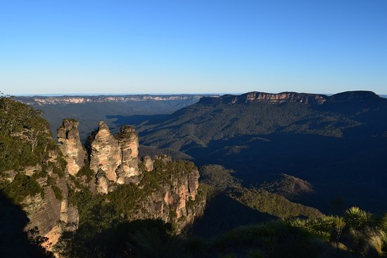 Megalong Valley, Australia: 3 Sisters - 25 minutes from Werriberri